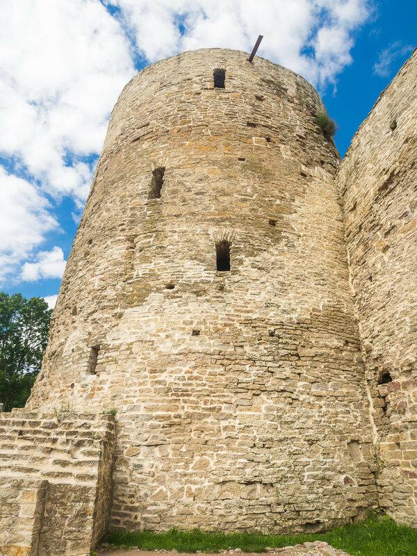 Башня Темнушка.