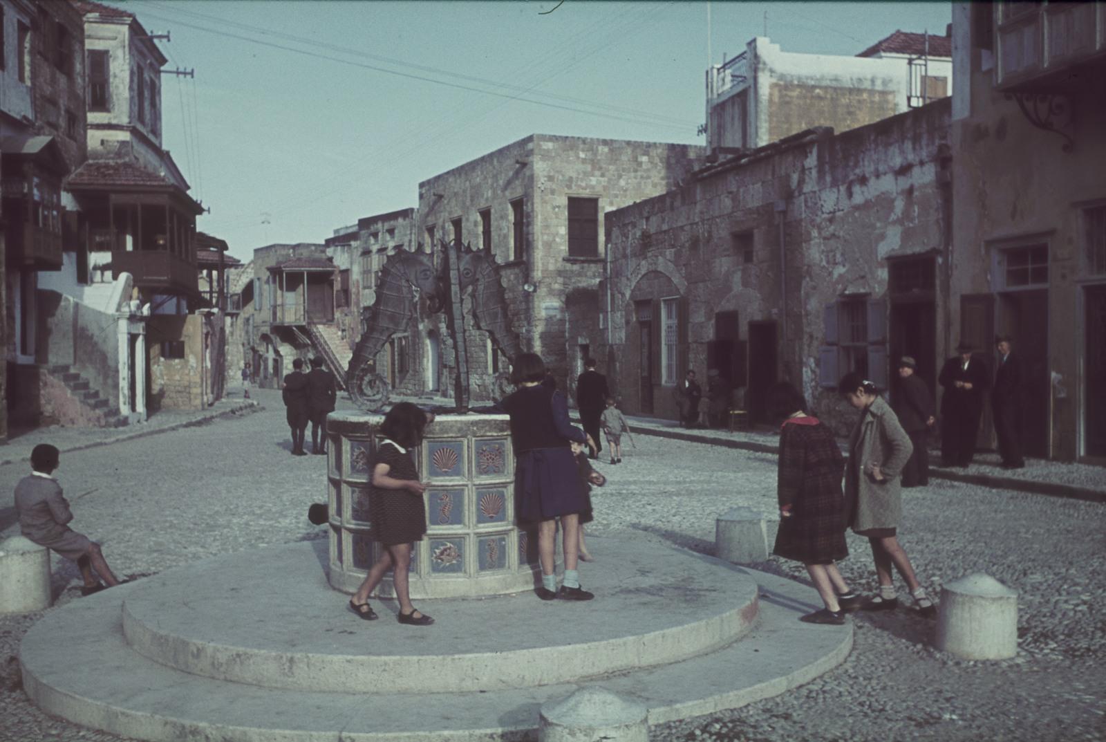 Родос. Площадь Еврейских мучеников