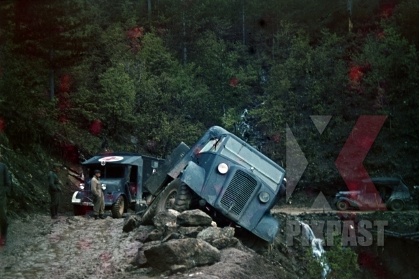 stock-photo-captured-british-english-bedford-trucks-lorries-wehrmacht-greece-1942-summer-crashed-cliff-red-cross-ambulance-staff-car-10014.jpg