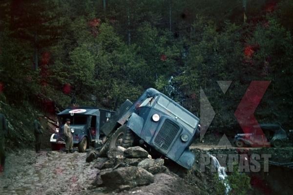 stock-photo-captured-british-english-bedford-trucks-lorries-wehrmacht-greece-1942-summer-crashed-cliff-red-cross-ambulance-staff-car-10014.jpg