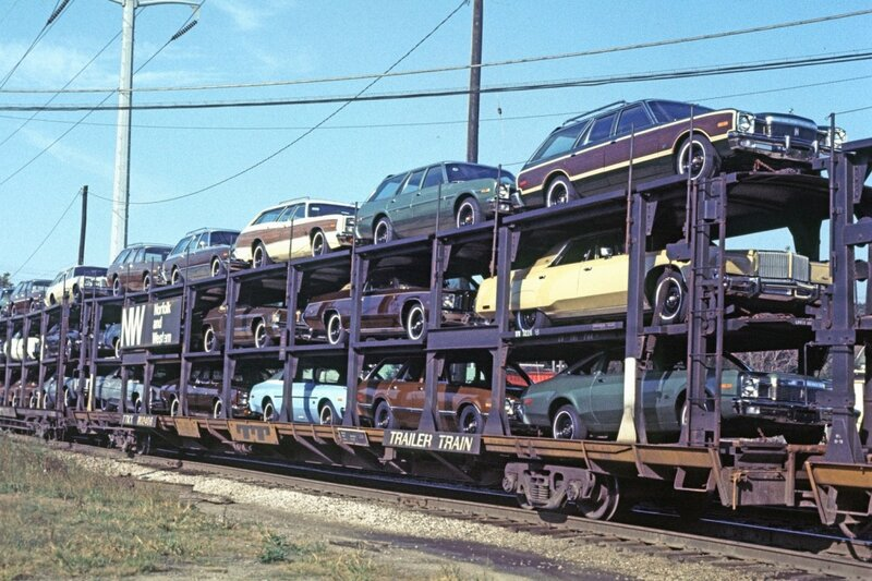 1976 new cars Detroit Michigan.jpg