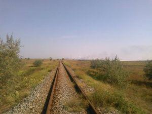 Участники блокады Крыма заблокировали железную дорогу к заводу Фирташа