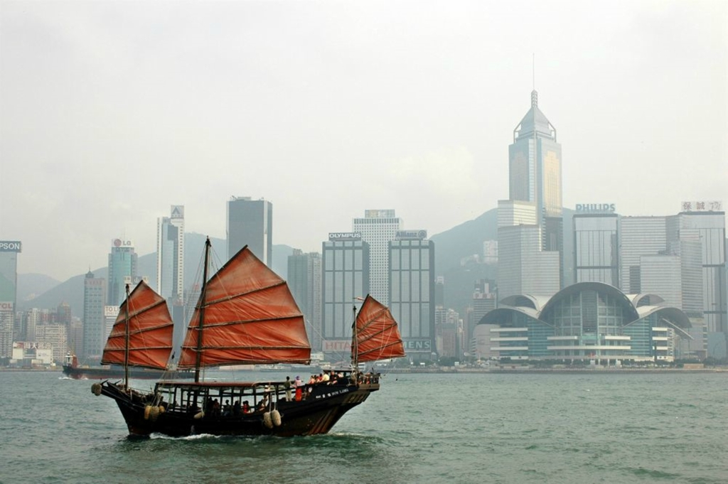 В Гонконге вспоминали Брюса Ли в 40 ю годовщину его смерти