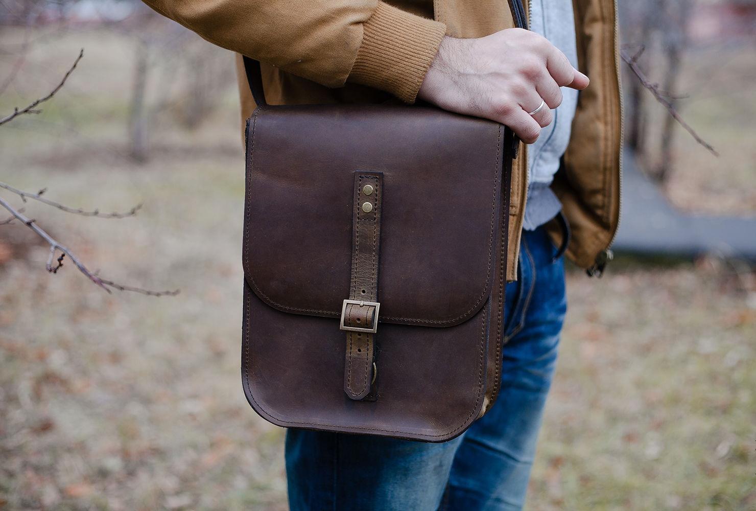 Кожаные мужские сумки через плечо (1 фото)