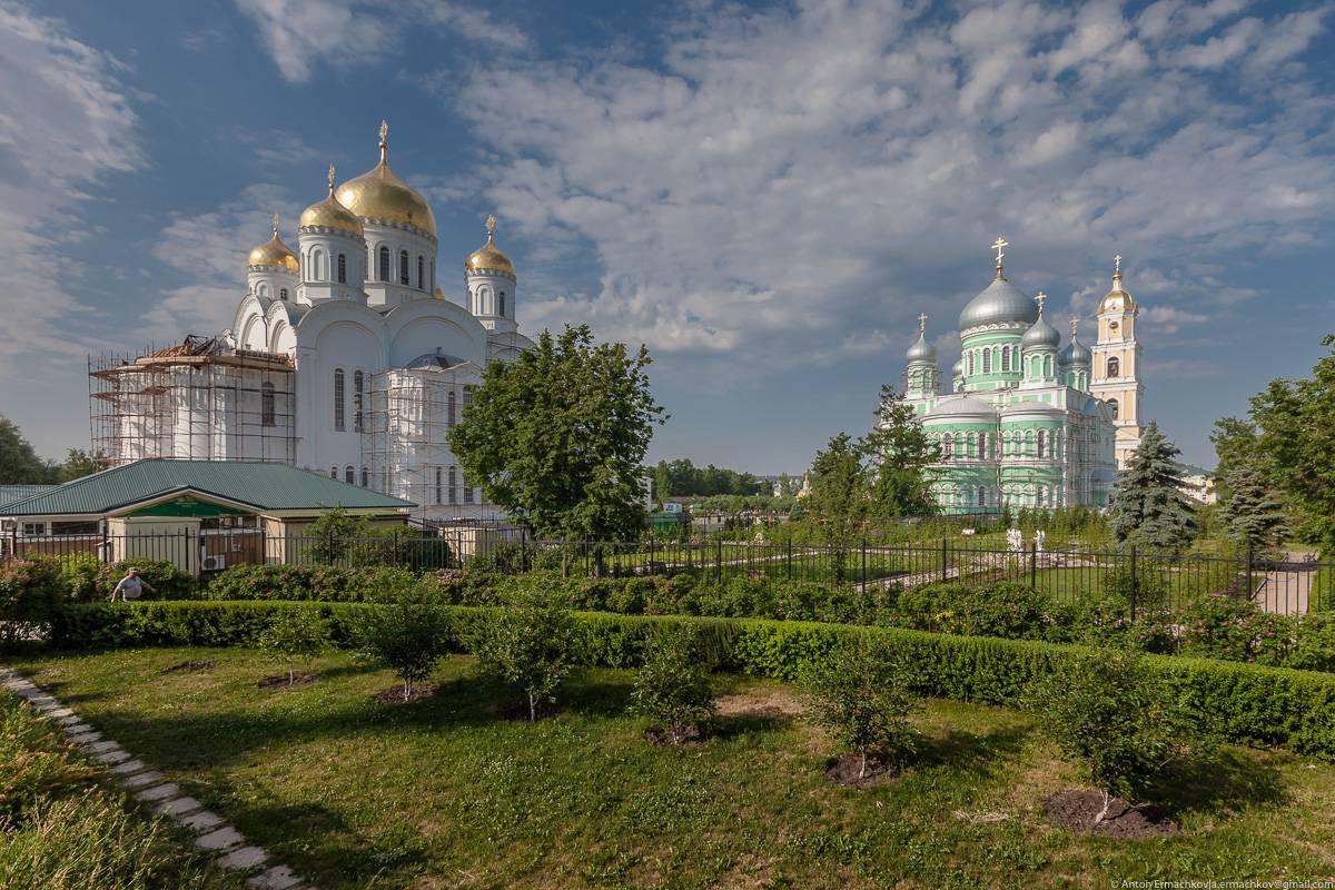 Православный женский Серафимо-Дивеефский монастырь основан в 1861 году, правда нужно отметить, что п
