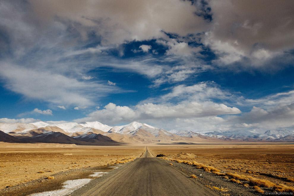 10. После озера мы сделали финальный привал на таджикской земле. Плотно поужинали, попили чай и