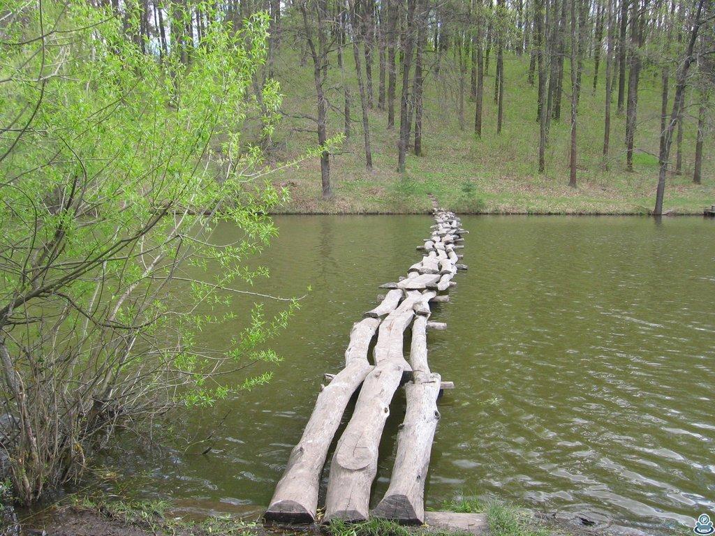 Мостик через ставок
