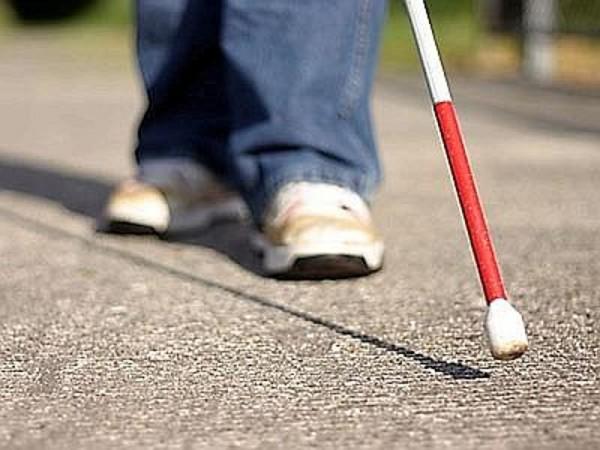 Слепые люди точно определяют рост остальных — Ученые доказали