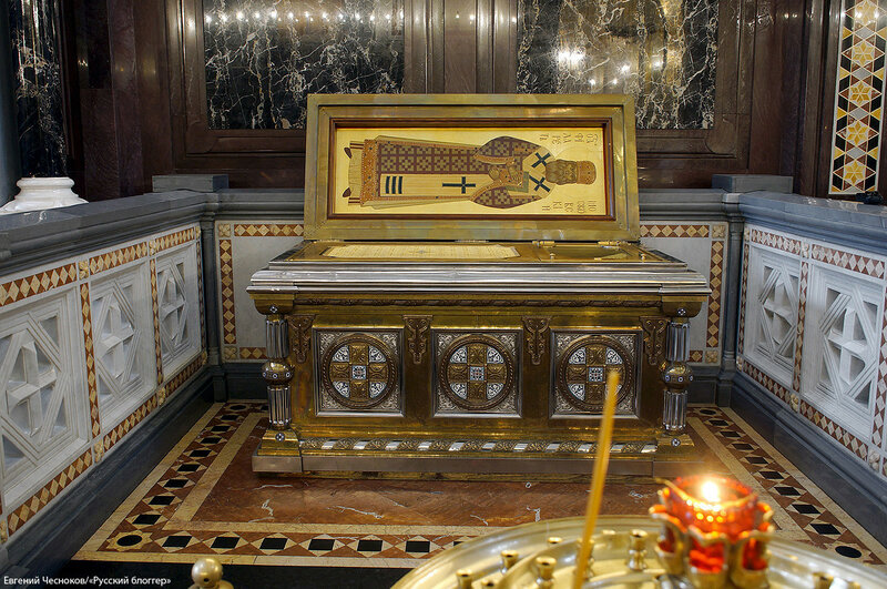 Осень. Храм Христа Спасителя. 17.09.16.16..jpg
