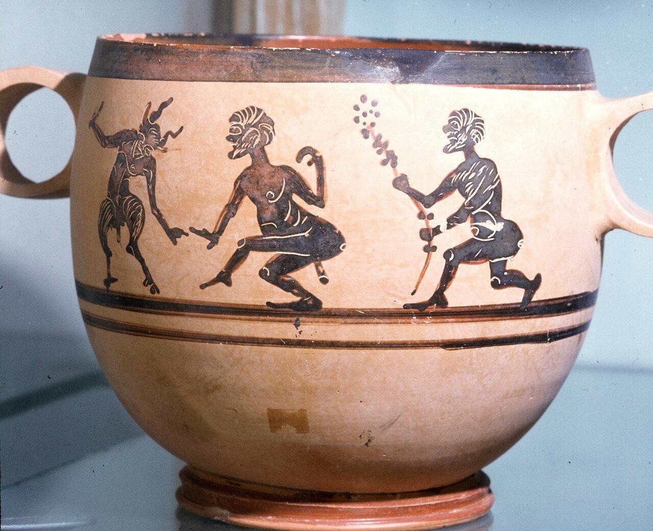 Скифос с танцующими кабирами. Фивы