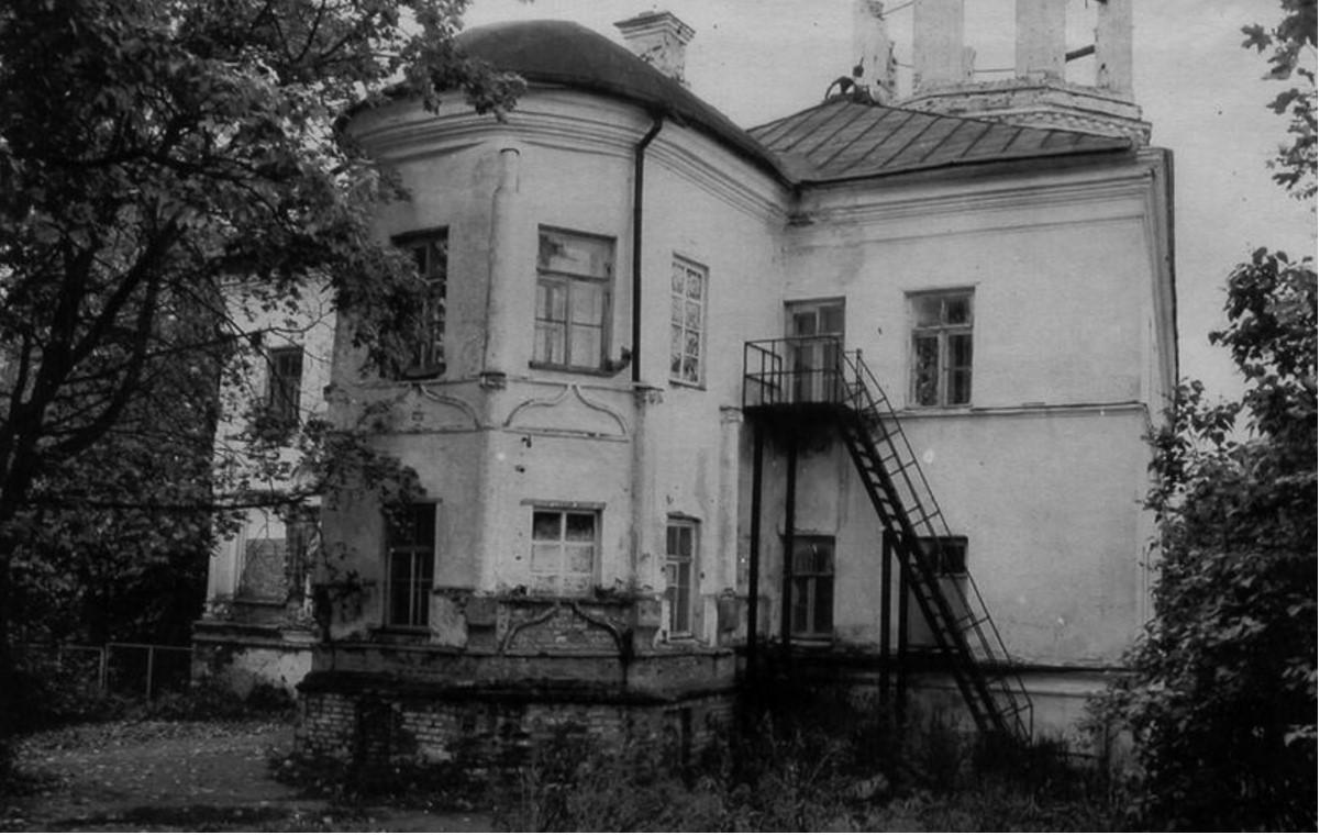 Советский период. 1989. Настоятельский корпус. Восточный фасад