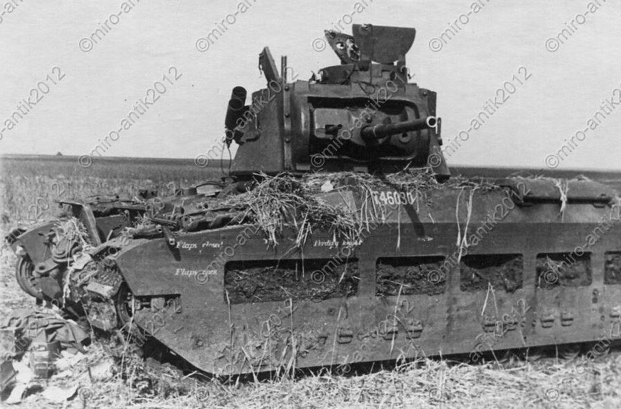 """Подбитый пехотный танк Mk.II (A12) """"Matilda II"""". 12 июня 1942 года."""