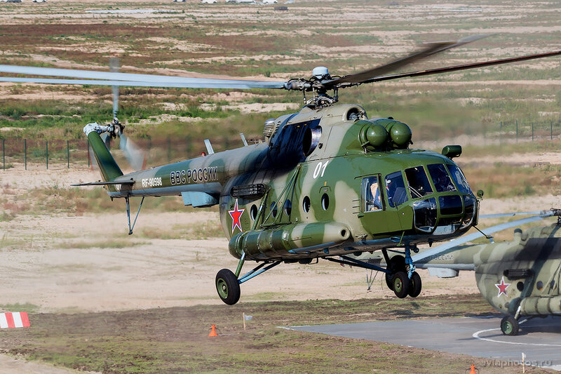 Миль Ми-8МТВ-2 (RF-90598 / 01 белый) ВКС России 0990_D806373