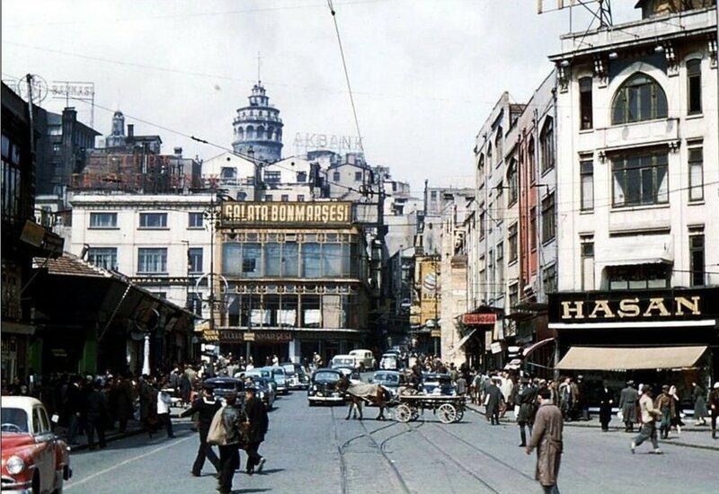 1956 Istanbul Karakoy-Meydani.jpg