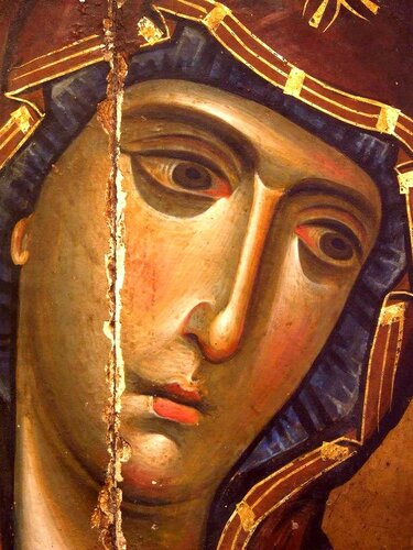 Лик Пресвятой Богородицы. Фрагмент византийской иконы в монастыре Святой Екатерины на Синае.