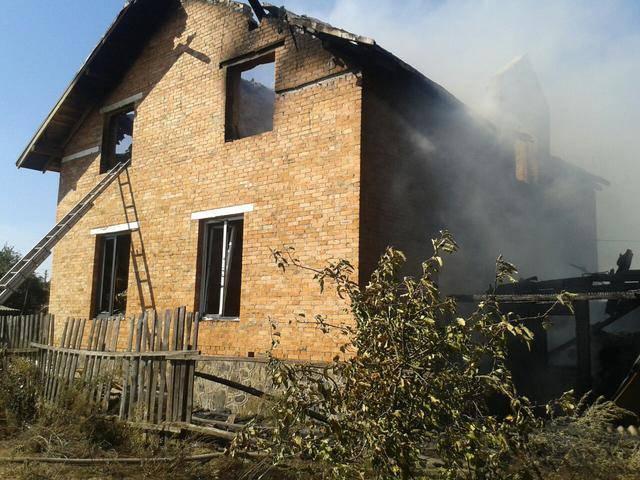 Двое малолетних детей погибли вследствие пожара в Сарнах. ФОТОрепортаж