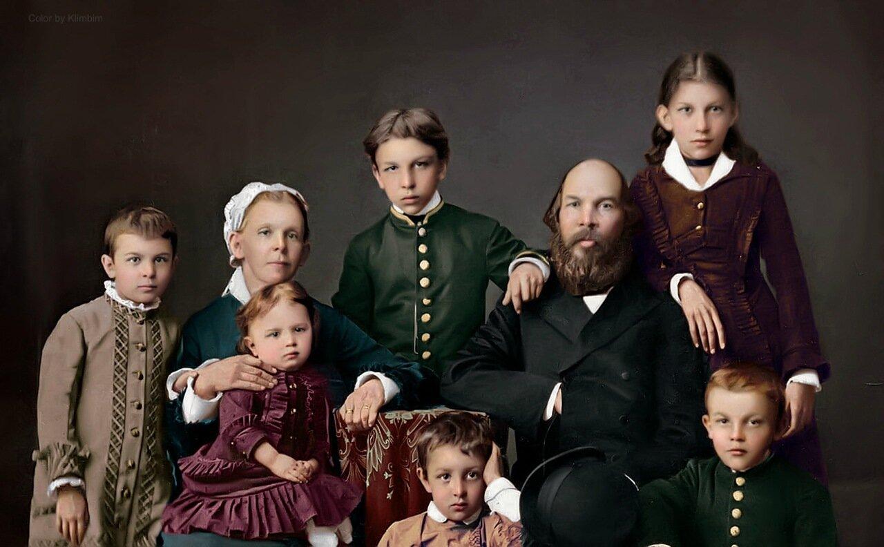 1. Семья Ульяновых