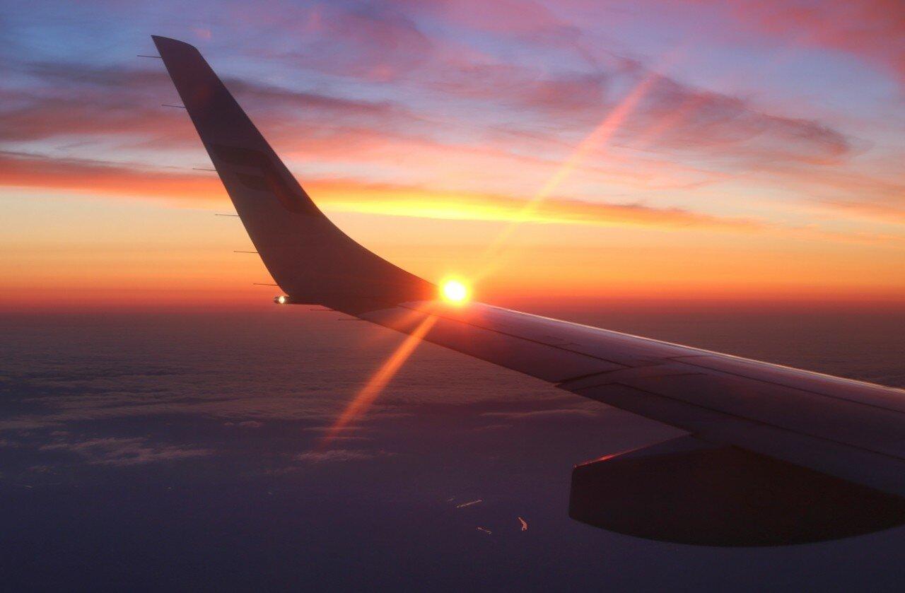 Восход солнца над облаками
