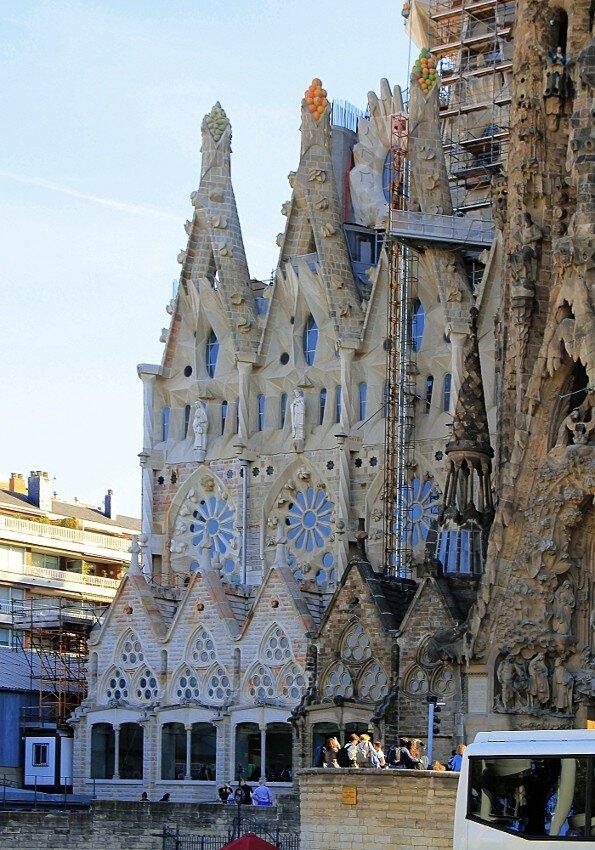 Барселона. Собор Святого Семейства. Фасад Рождества (Nativity façade)