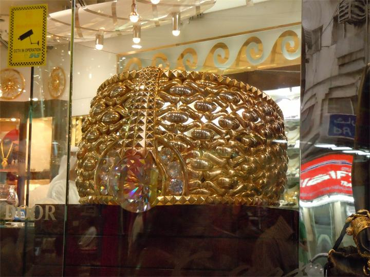 Размеры оригинального кольца Najmat Taiba по периметру составляют 2.2 метра, внутренний диаметр &nda