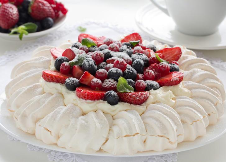 4. Торт Павлова (Австралия и Новая Зеландия) Этот легкий и воздушный десерт очень любят в Австралии,