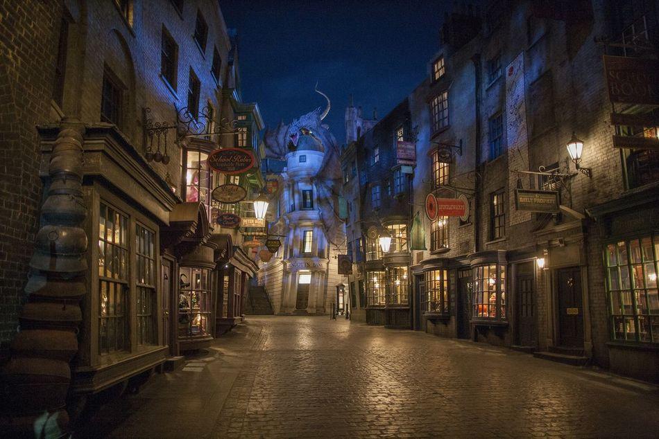 Такая непревзойденная точность в парке «Волшебный мир Гарри Поттера» сохраняется также в старинных р