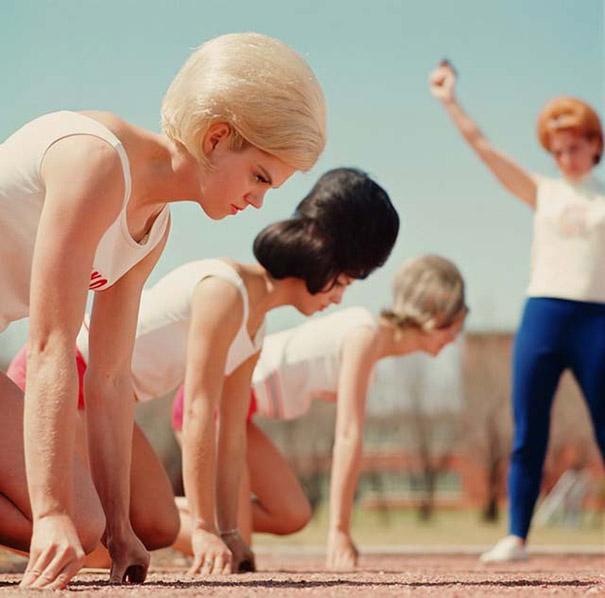 Размер имеет значение: ох уж эти женские прически 60-х (16 фото)