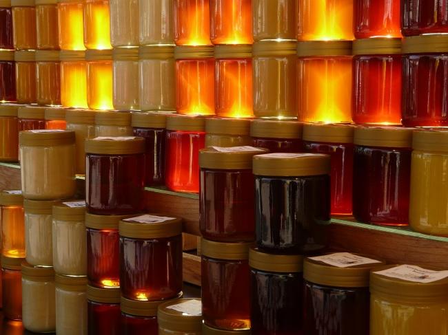 Мед Мед не имеет срока годности. Самый древний горшок с медом был найден в 1922 году Говардом Картер