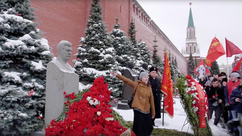 Православного активиста Энтео задержали намогиле Сталина