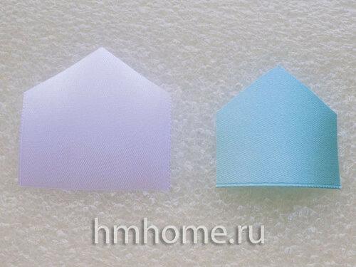 Бело-голубой цветок канзаши
