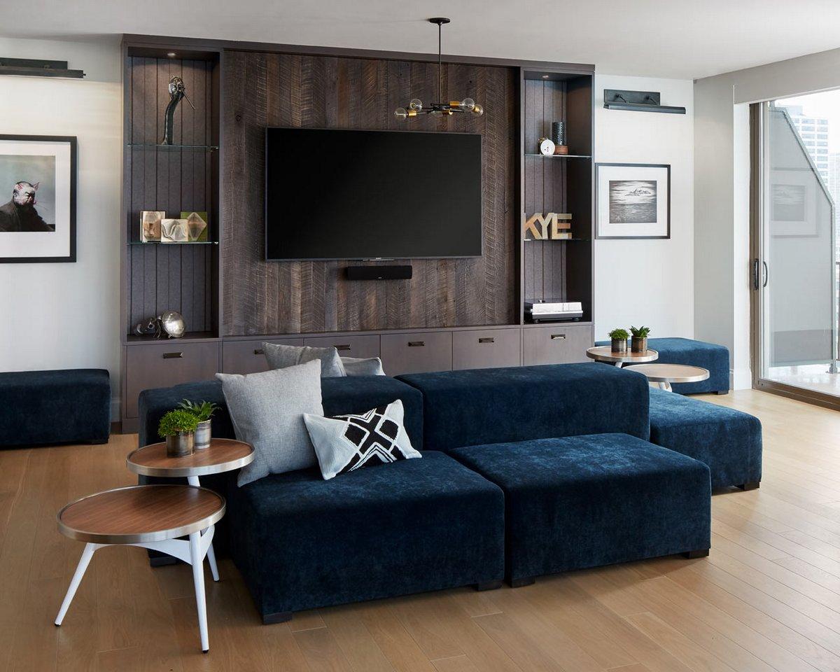 Обшивка стены деревом в квартире