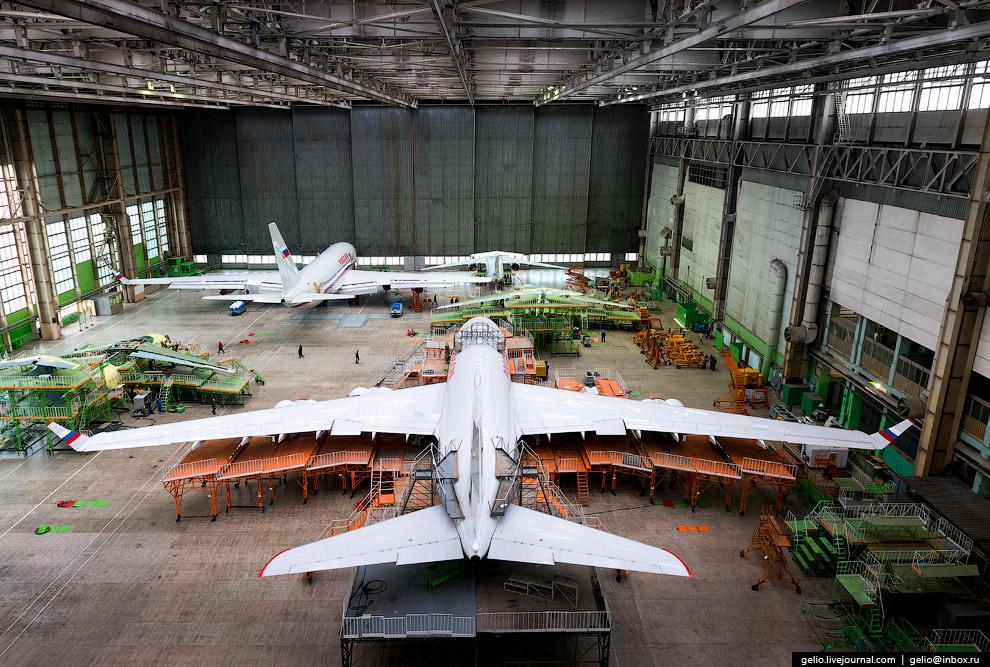 4. Ил-96 стал первым советским дальнемагистральным широкофюзеляжным самолётом.