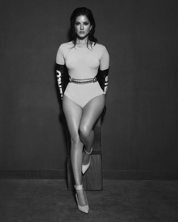 «Я принимаю свое тело и люблю его. Когда я стою перед камерой, я совершенно не стесняюсь демонстриро