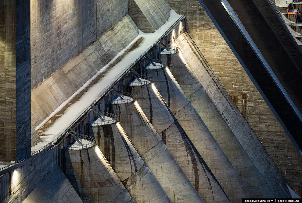 Каждый водовод диаметром 8,5 метров: