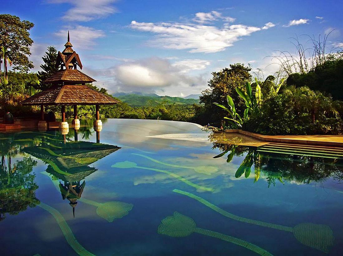 Отель Racha Island Resort.