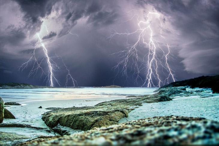 Молнии случаются около 50 раз в секунду, 4.3 миллионов раз в день или примерно 1.5 млрд. раз в
