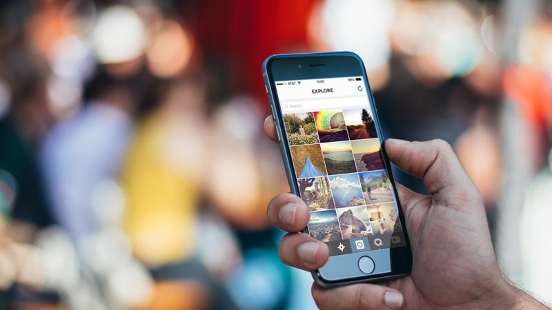 В социальная сеть Instagram сейчас можно сохранять чужие публикации всвоем аккаунте