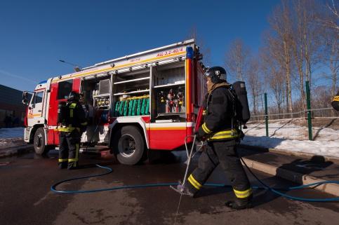 Двое детей погибли при пожаре вчастном доме вПодмосковье