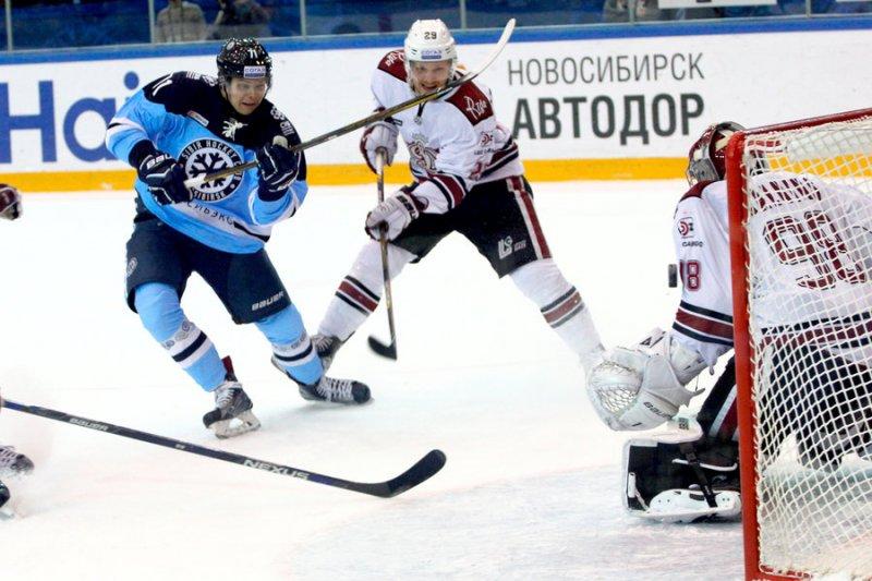 «Сибирь» победила рижское «Динамо»