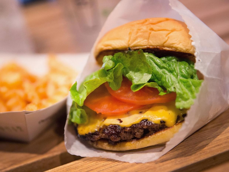 Всего один чизбургер уже может вызывать болезнь печени— Ученые