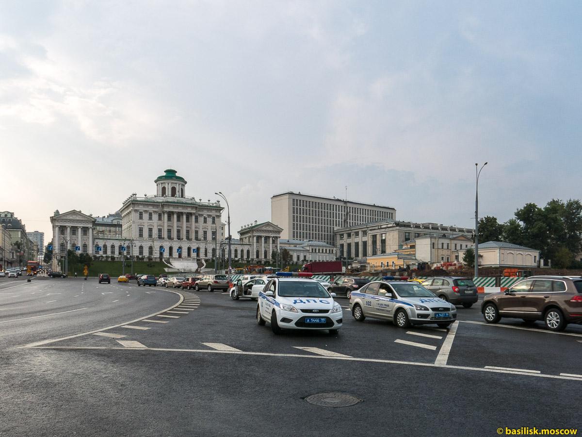 Моховая. Дом Пашкова. Боровицкая площадь. Июль 2016