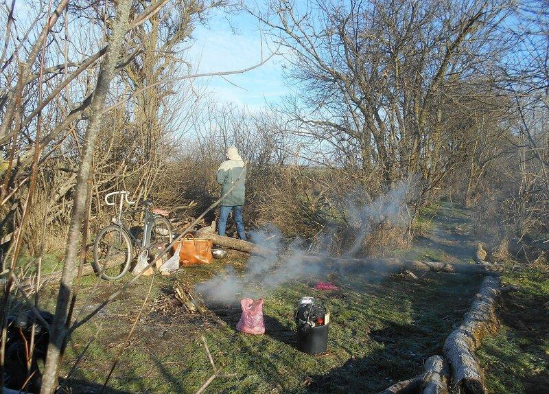 В условиях походных, первый дымок ... DSCN0403.JPG
