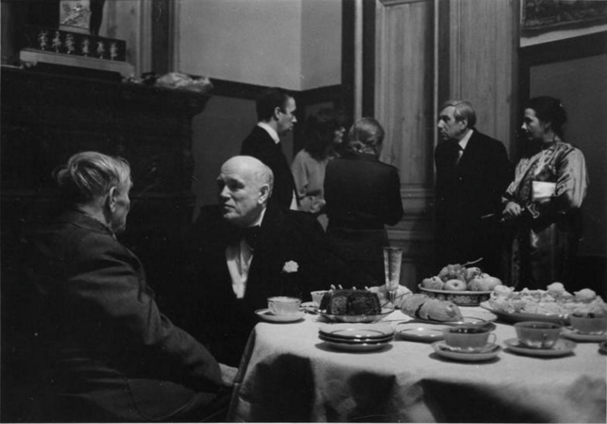 1979. Святослав Рихтер после концерта. Беседа с Петром Капицей