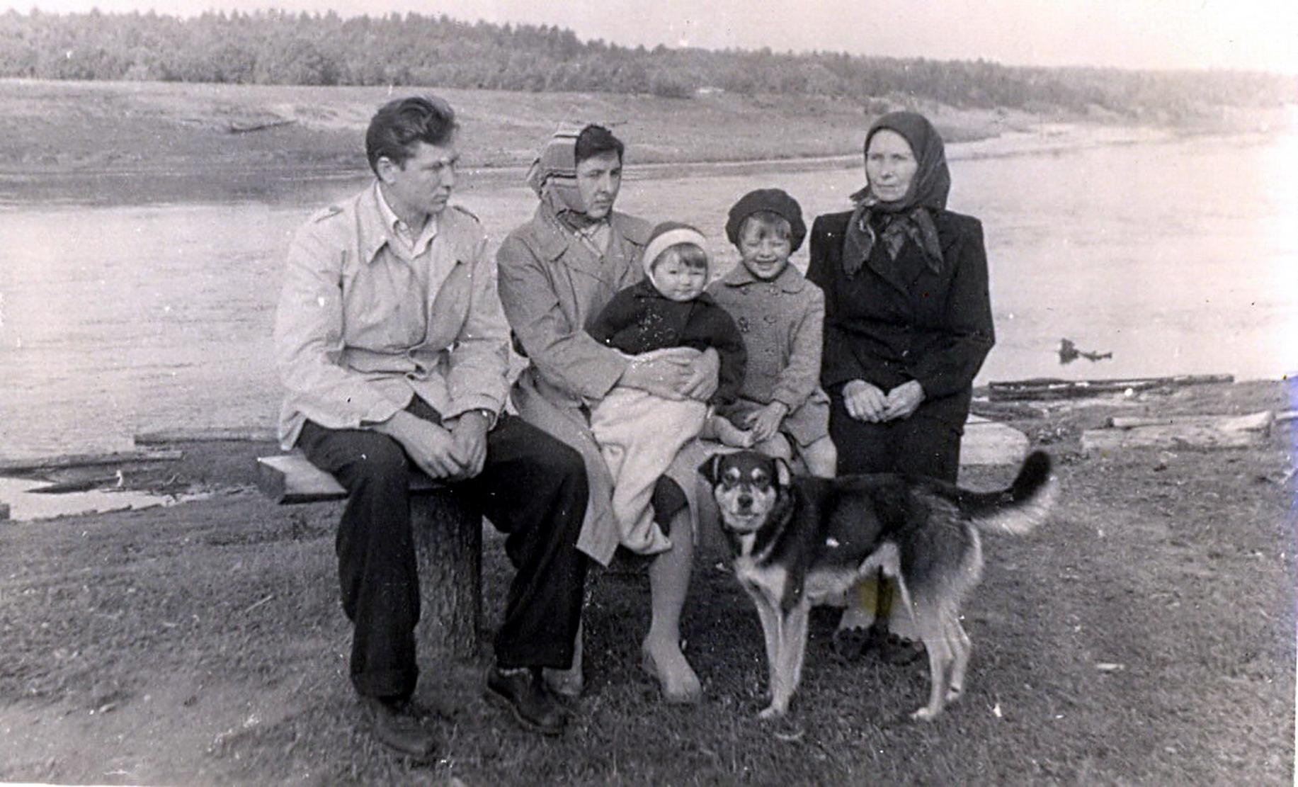 1961. У реки Чагодощи