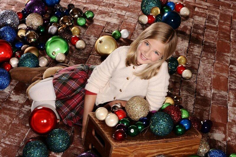 jackie-evancho-christmas-family-fe26c22b29fc9aafb3fd346ebccc2ff4-large-448216.jpg