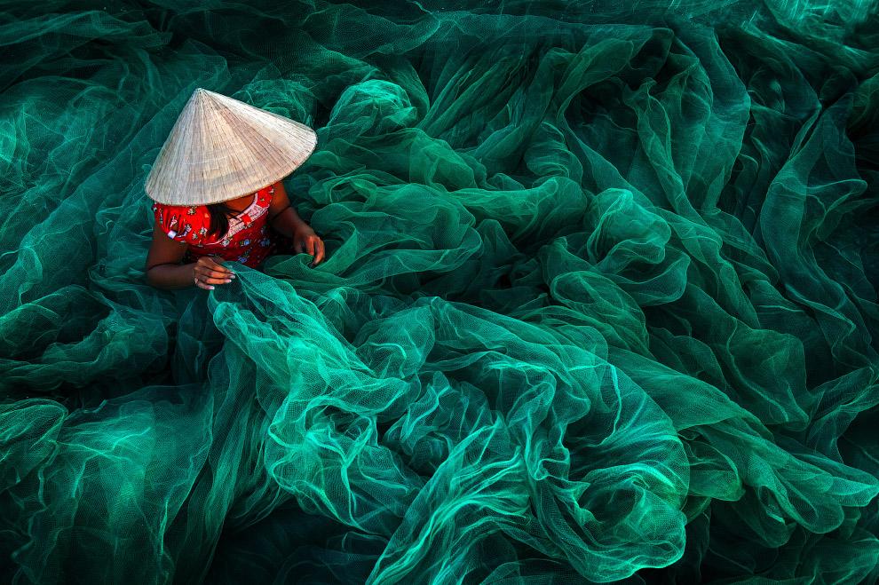7. Изготовление венецианских масок . (Фото Dean Saffron | SIPA Contest):