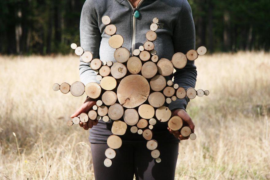 Скульптуры из переработанного дерева (15 фото)