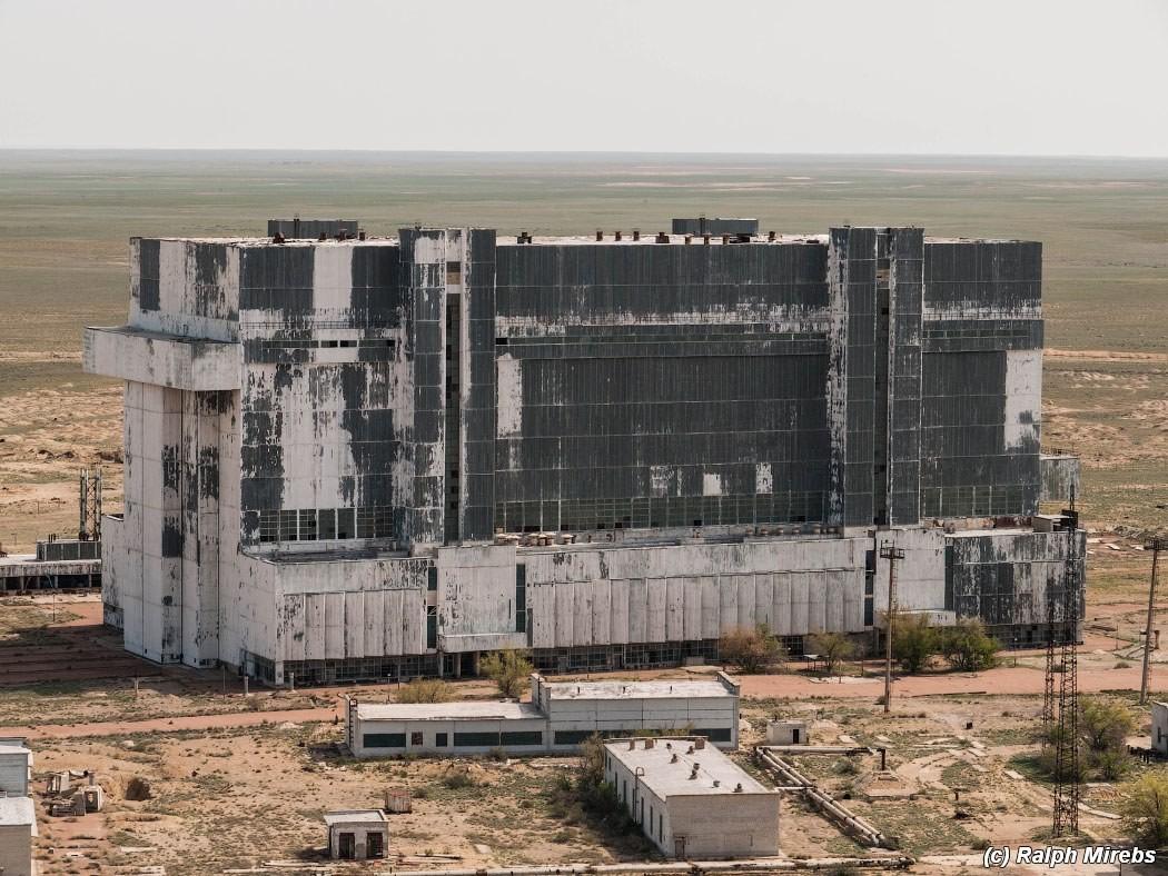 1. Монтажно-заправочный комплекс едва ли не самое большое здание на территории космодрома Байконур.
