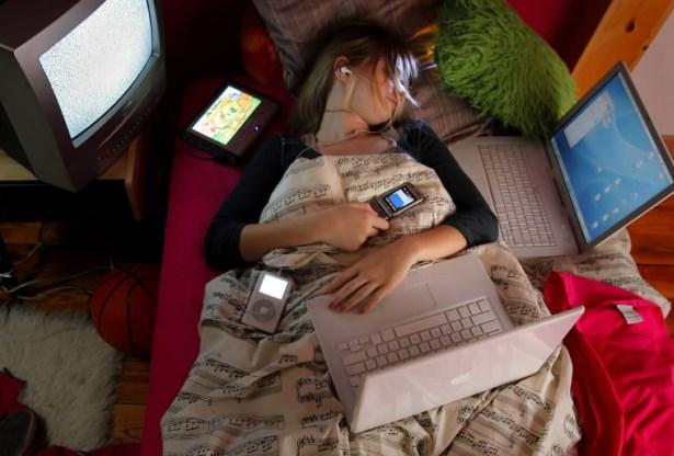 Почему рекомендовано наночь выключать мобильные телефоны