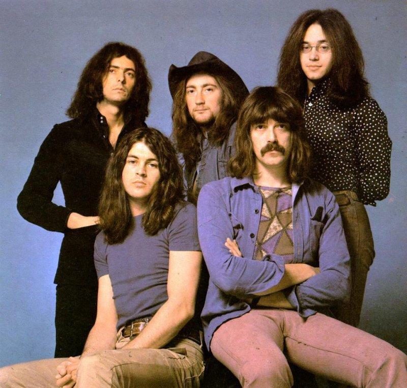Солист Deep Purple пригласил на собственный концерт Медведева